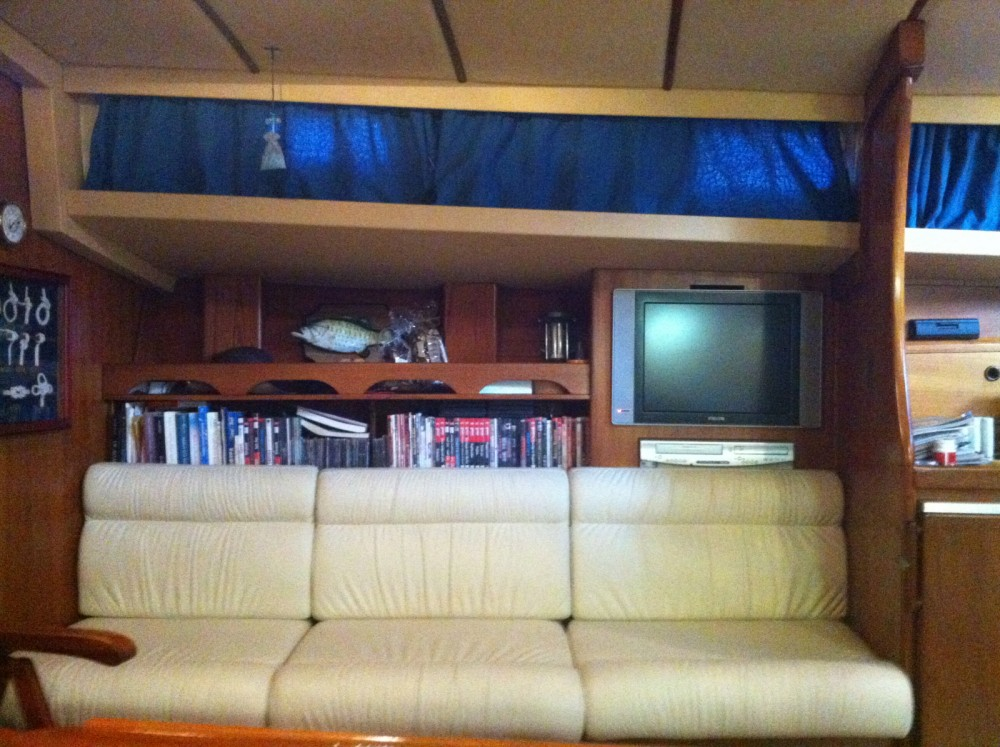 Boat rental  cheap 47