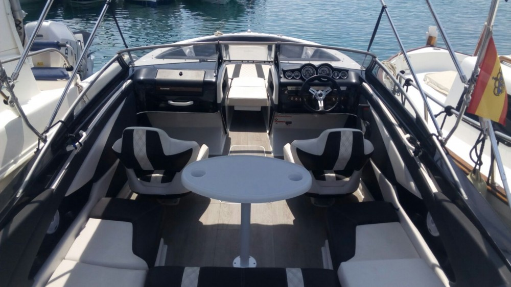 Rental Motorboat Glastron with a permit