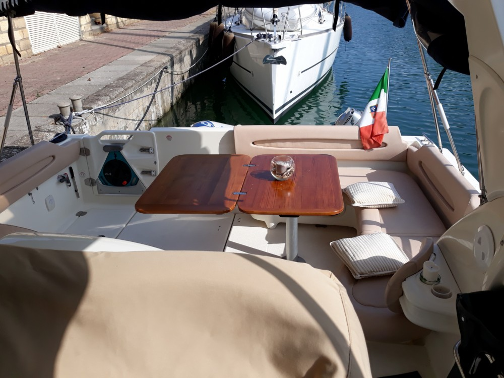 Hire Motorboat with or without skipper Cranchi Lipari