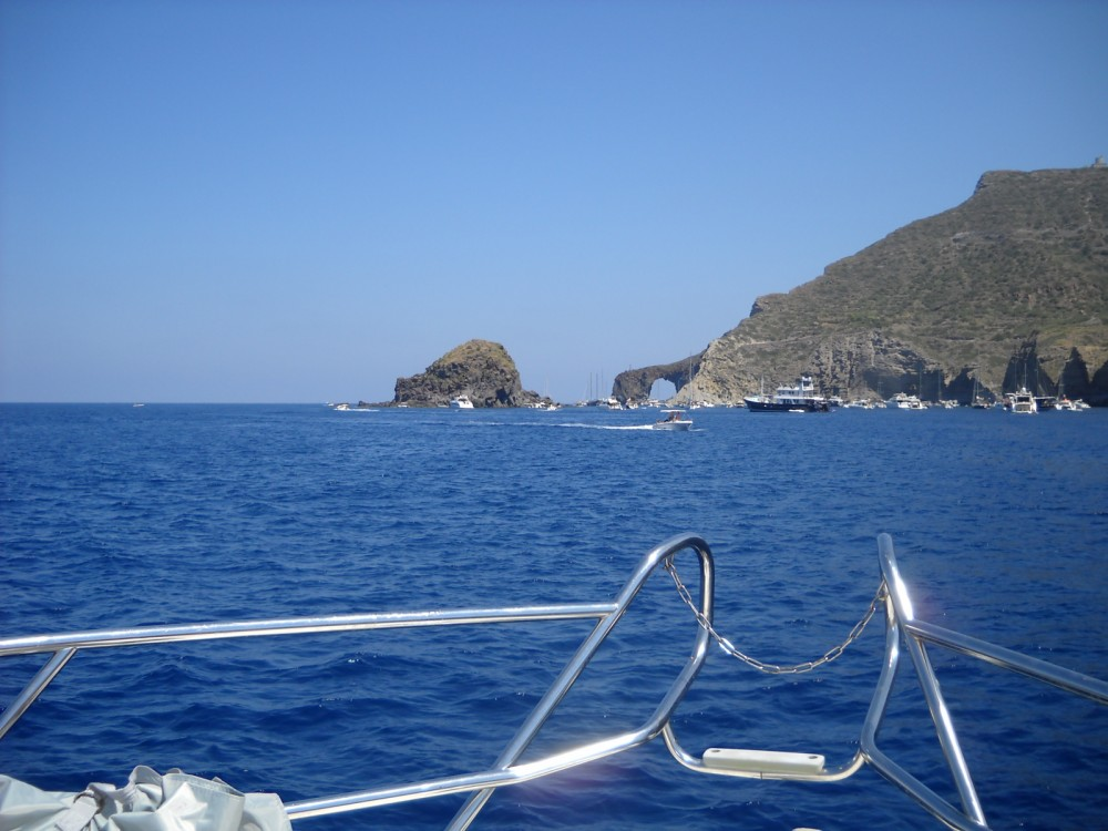 Boat rental Cranchi Zaffiro 32 in Lipari on Samboat