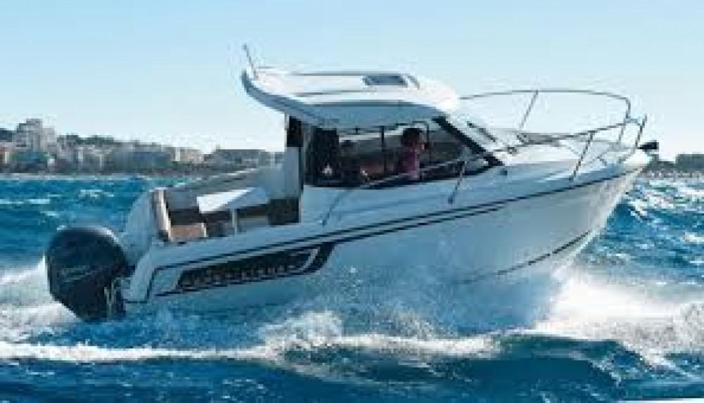 Rental Motor boat in Nantes - Jeanneau Merry Fisher 605 HB