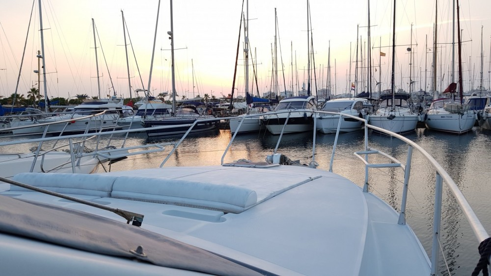 Rental yacht Torrevieja - Mochi Craft Mochi Craft 42 Fly on SamBoat