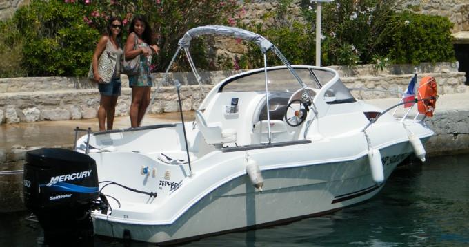 Boat rental Quicksilver Quicksilver 650 Cruiser in Marseille on Samboat