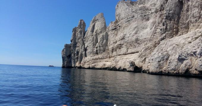 Boat rental Marseille cheap Quicksilver 650 Cruiser