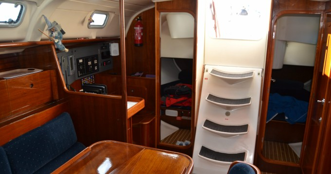 Sailboat for rent Castelldefels at the best price