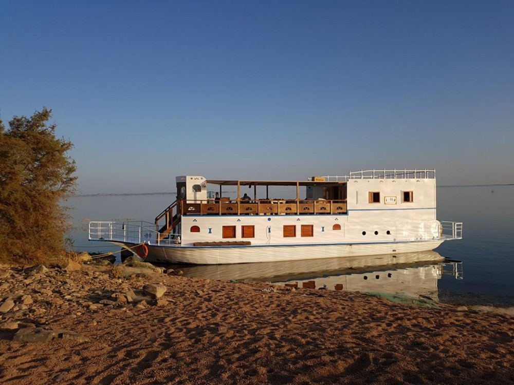 Rent a Queen Tiyi Safari Boat Aswan