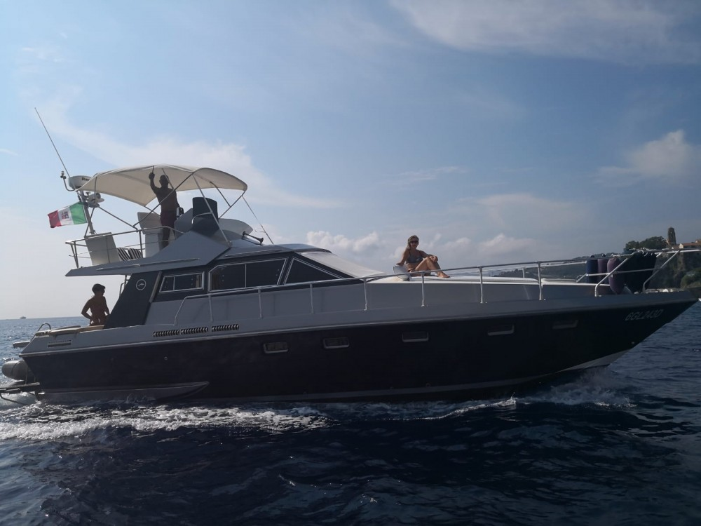 Rental Motor boat in Capo d'Orlando - Mochi Craft Superdominator 43