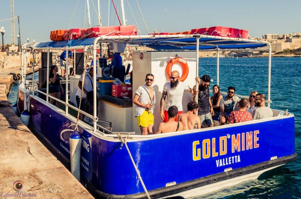 Motor boat for rent Mellieha at the best price