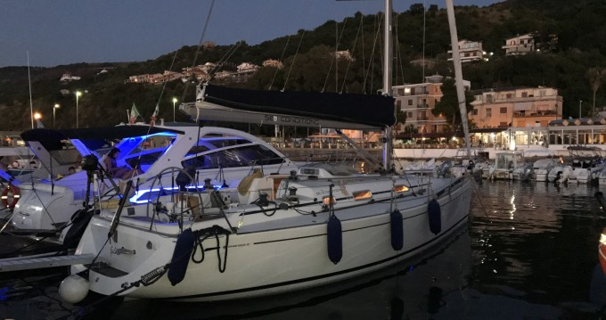 Sailboat for rent Vibo Valentia at the best price
