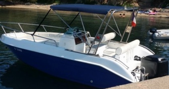 Motorboat for rent Saint-Laurent-du-Var at the best price