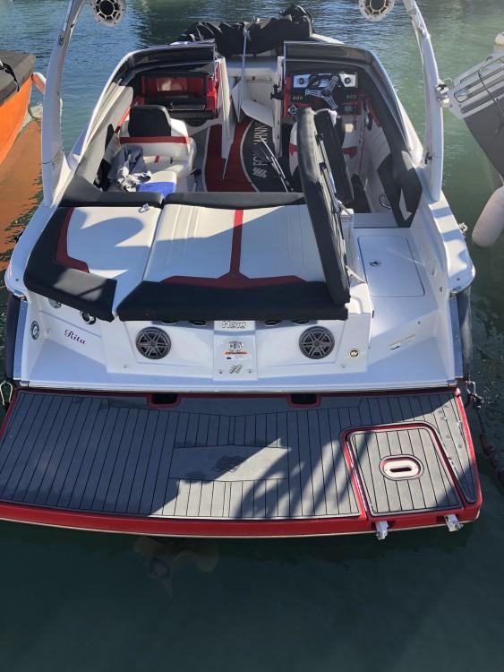 Rental Motorboat in Saint-Cloud - Four Winns H 210 SS