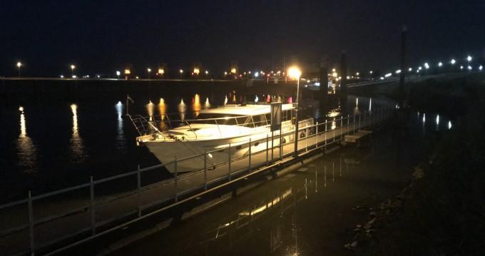 Hire Motorboat with or without skipper Wim Van Der Valk Nogent-sur-Marne