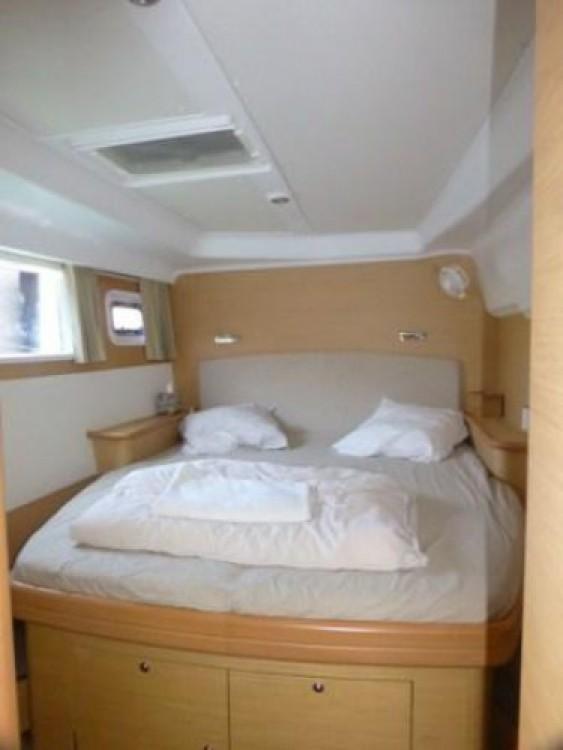 Boat rental  cheap Lagoon 440
