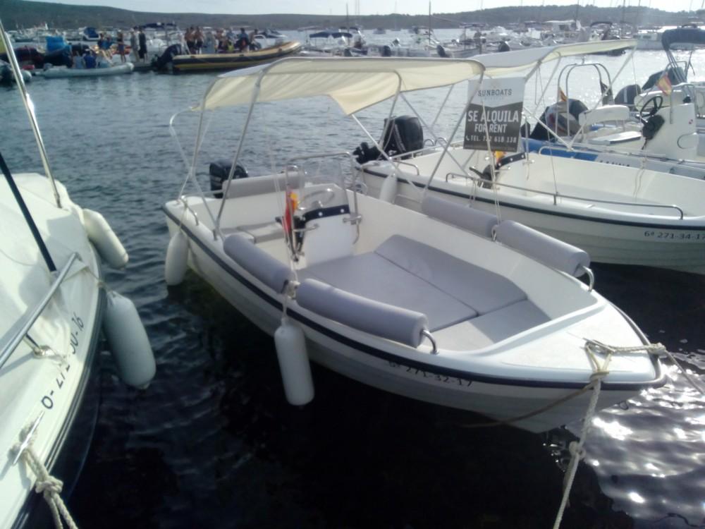 Rental yacht Es Mercadal - Marion  Len 430 on SamBoat