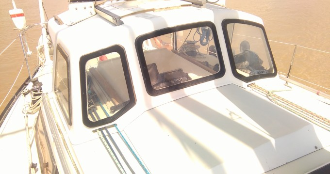 Sailboat for rent Rochefort at the best price