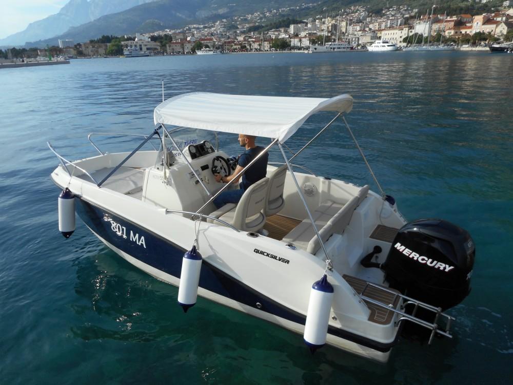 Rental Motor boat in Makarska - Quicksilver Activ 555 Open