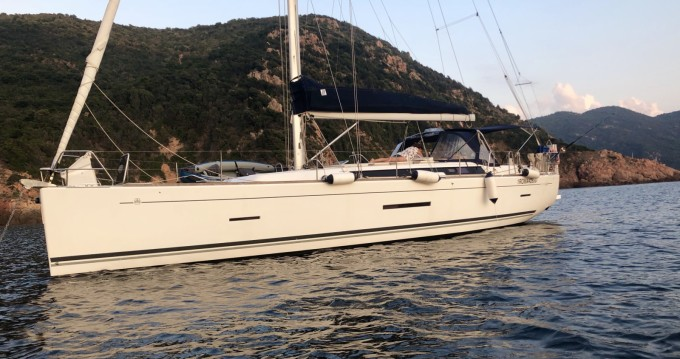 Rental yacht Nettuno - Dufour Dufour 450 Grand Large on SamBoat