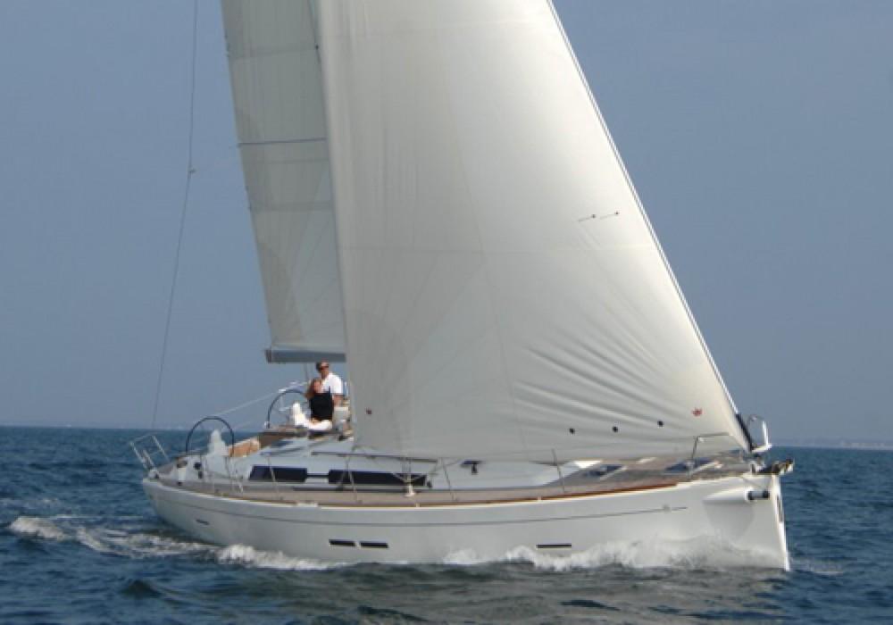 Rental Sailboat in Saint-Mandrier-sur-Mer - Dufour Dufour 445