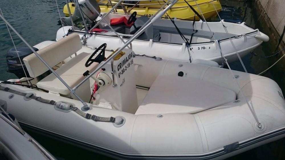Zodiac Yachtline 380 between personal and professional Torroella de Montgrí