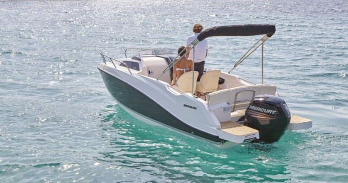 Rental yacht Saint-Laurent-du-Var - Quicksilver Activ 555 Cabin on SamBoat