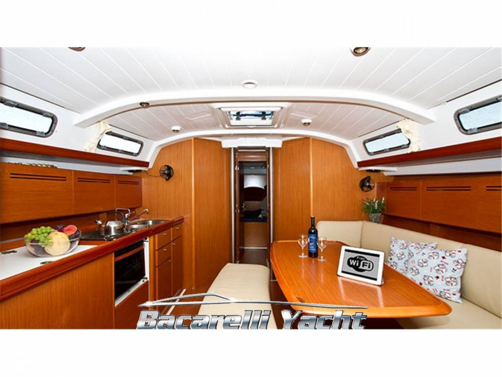 Hire Sailboat with or without skipper Bénéteau Castellammare di Stabia