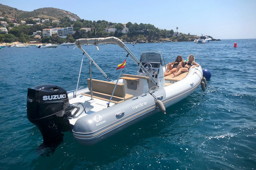 Rental yacht Marseille - Zodiac Medline 660 on SamBoat