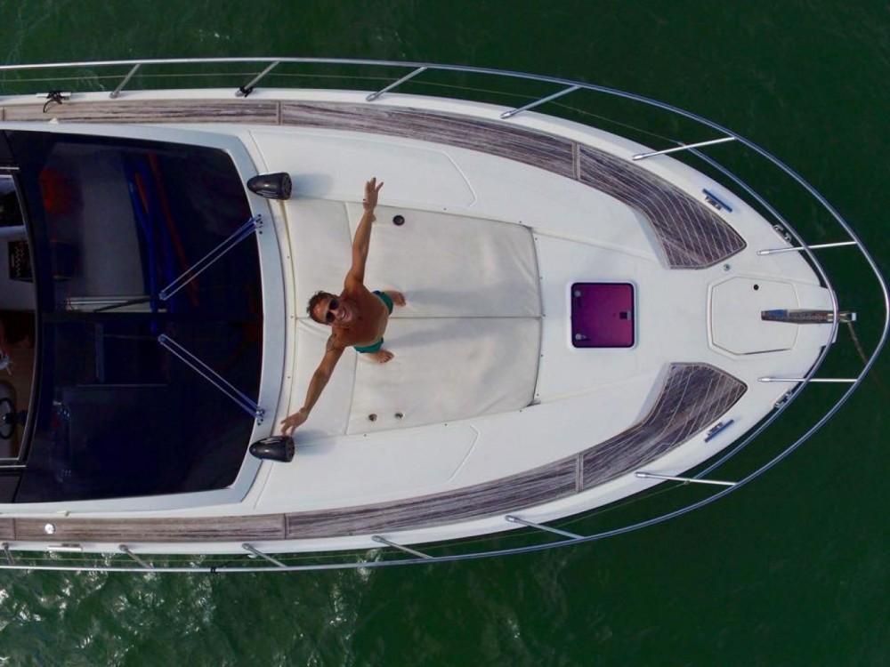 Rental Yacht in Miami - Azimut Atlantis 44