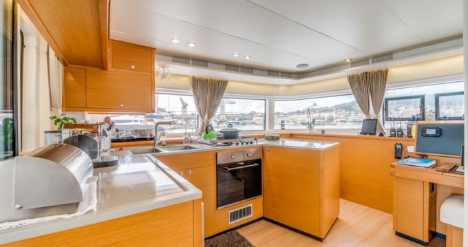 Rental yacht Barcelona - Lagoon Lagoon 52 F on SamBoat
