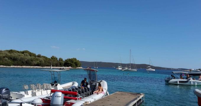 Rental RIB in Split - kanula lolivul