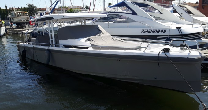 Hire Motorboat with or without skipper Axopar Port Grimaud