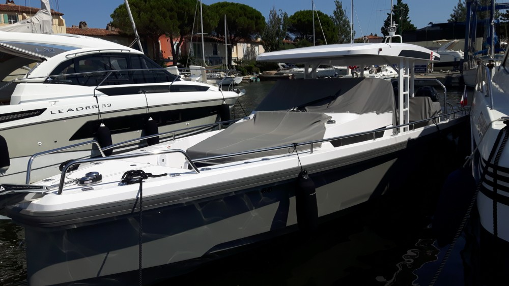 Hire Motor boat with or without skipper Axopar Port Grimaud