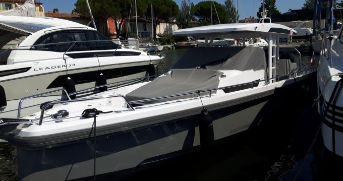 Rent a Axopar 37 ST Port Grimaud