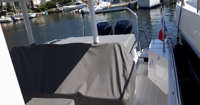 Rental yacht Port Grimaud - Axopar 37 ST on SamBoat