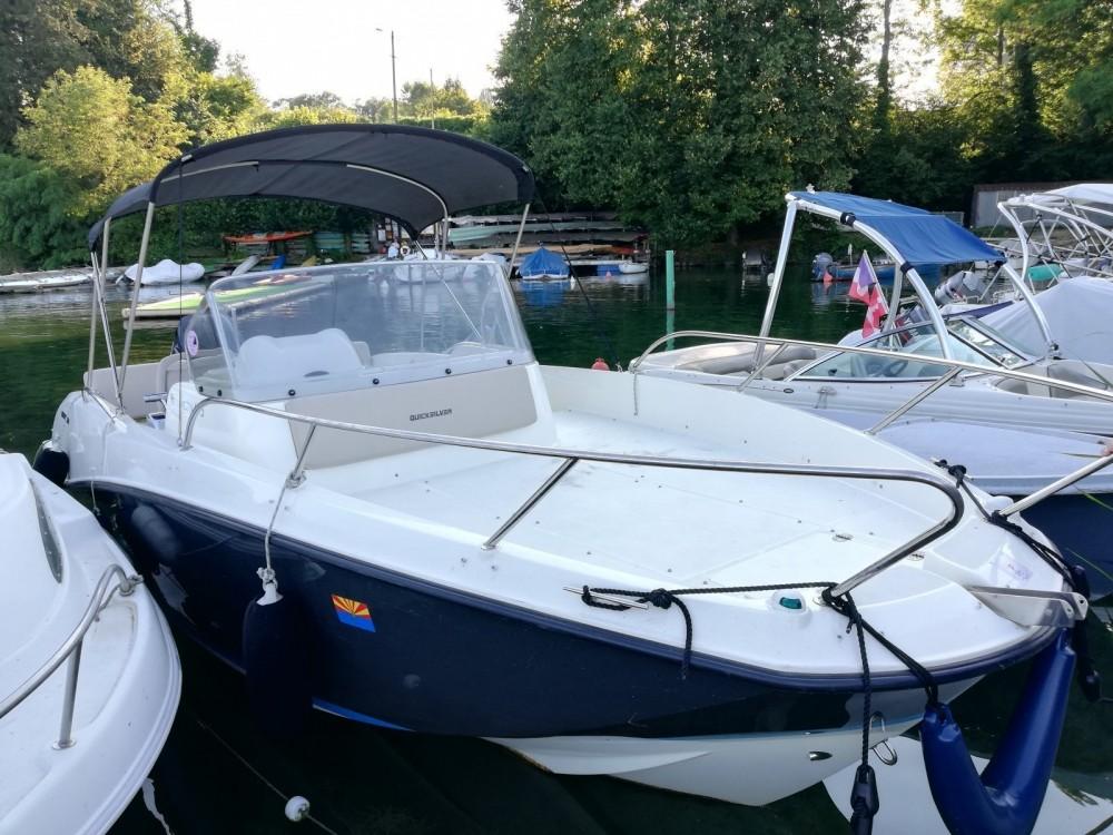 Boat rental Quicksilver Activ 675 Sundeck in Excenevex on Samboat