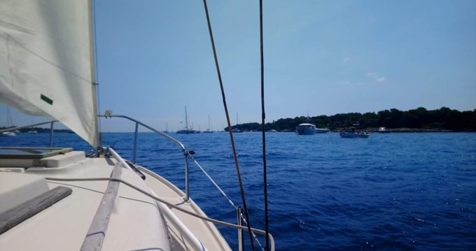 Sailboat for rent Théoule-sur-Mer at the best price