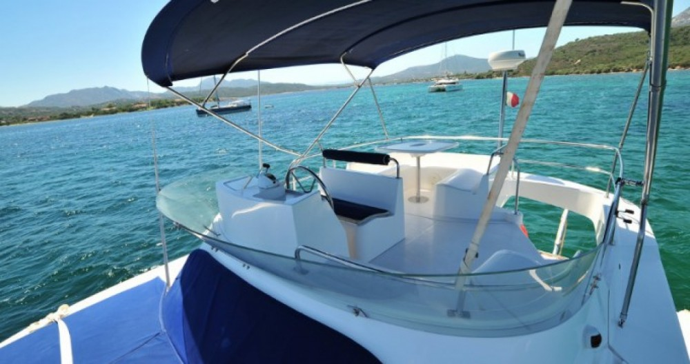 Hire Yacht with or without skipper Fountaine Pajot Real Club Náutico de Castellón