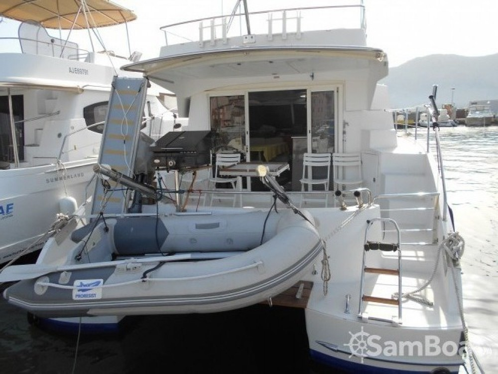 Hire Motorboat with or without skipper Fountaine Pajot Saint-Florent