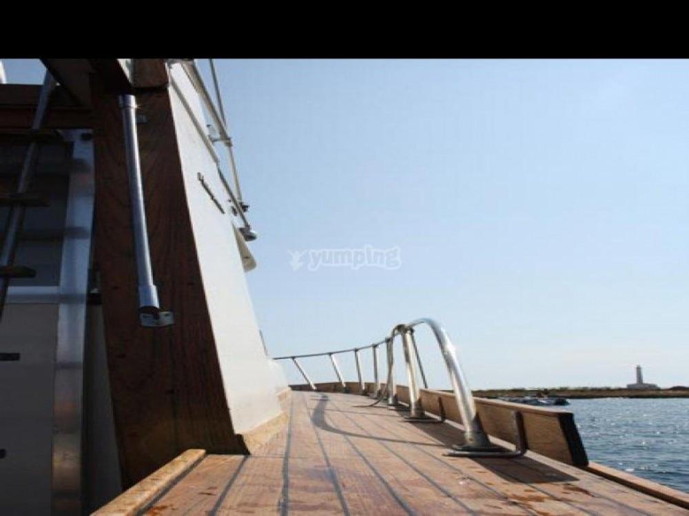 Rental Yacht in  - Posillipo ANTIGUA 38 FLY