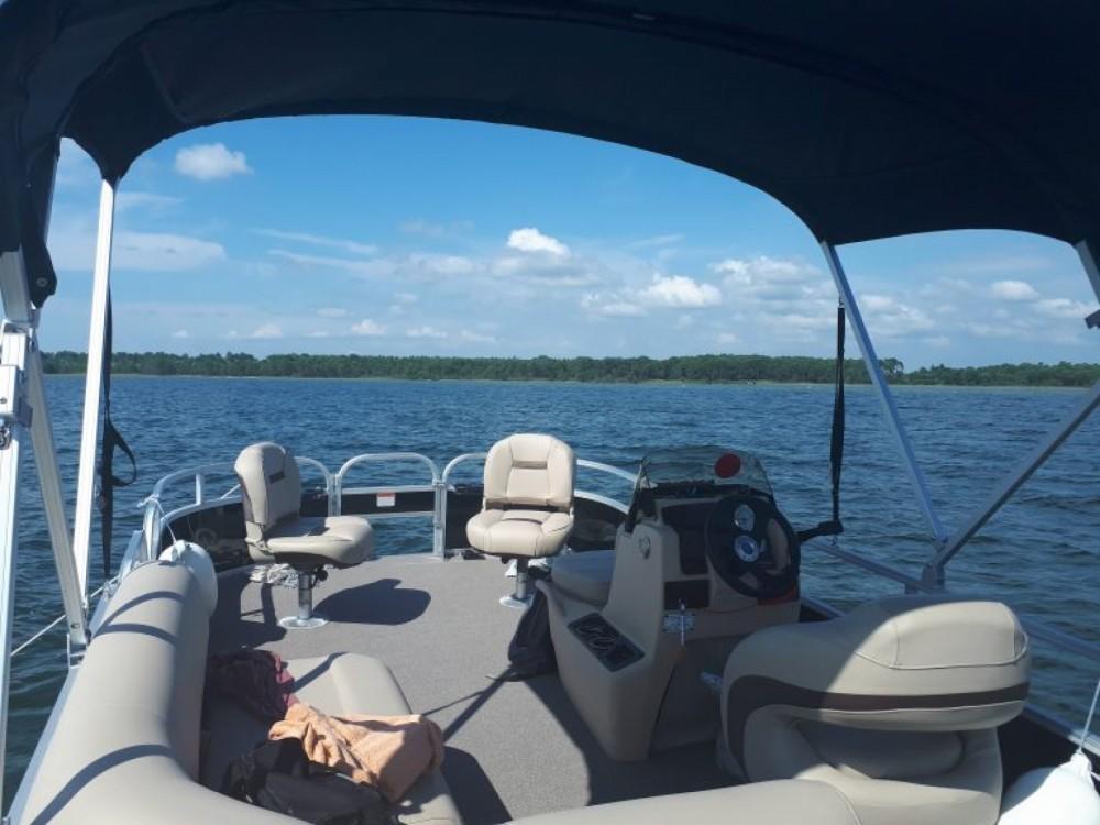 Boat rental Sun Tracker Bass Buggy 18 in Sanguinet on Samboat