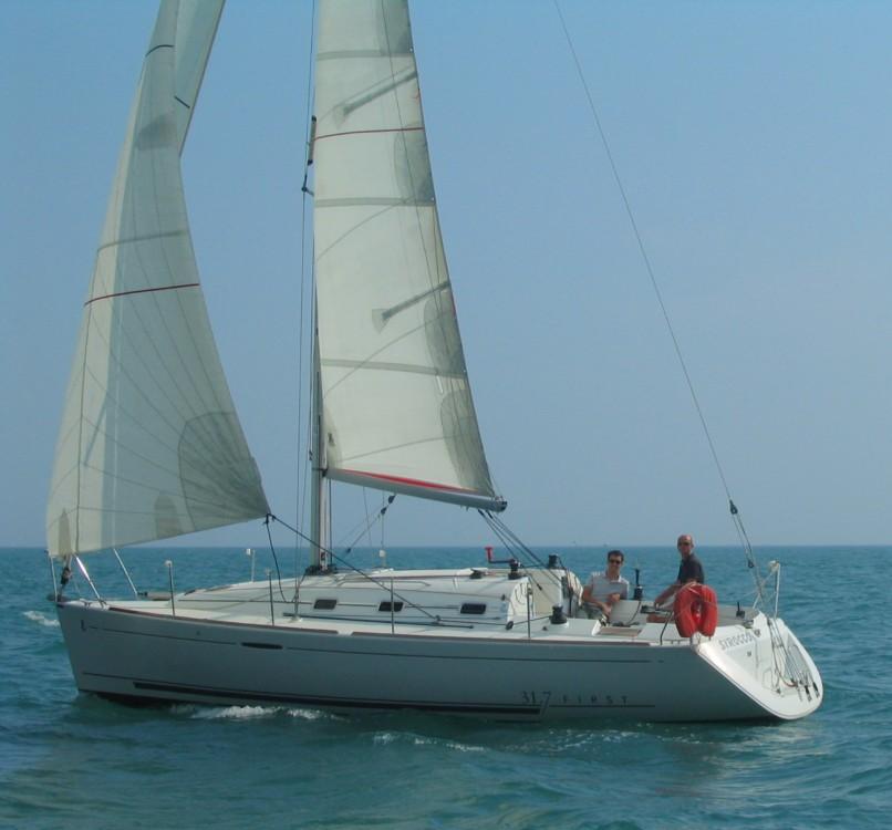 Sailboat for rent Saint-Gilles-Croix-de-Vie at the best price