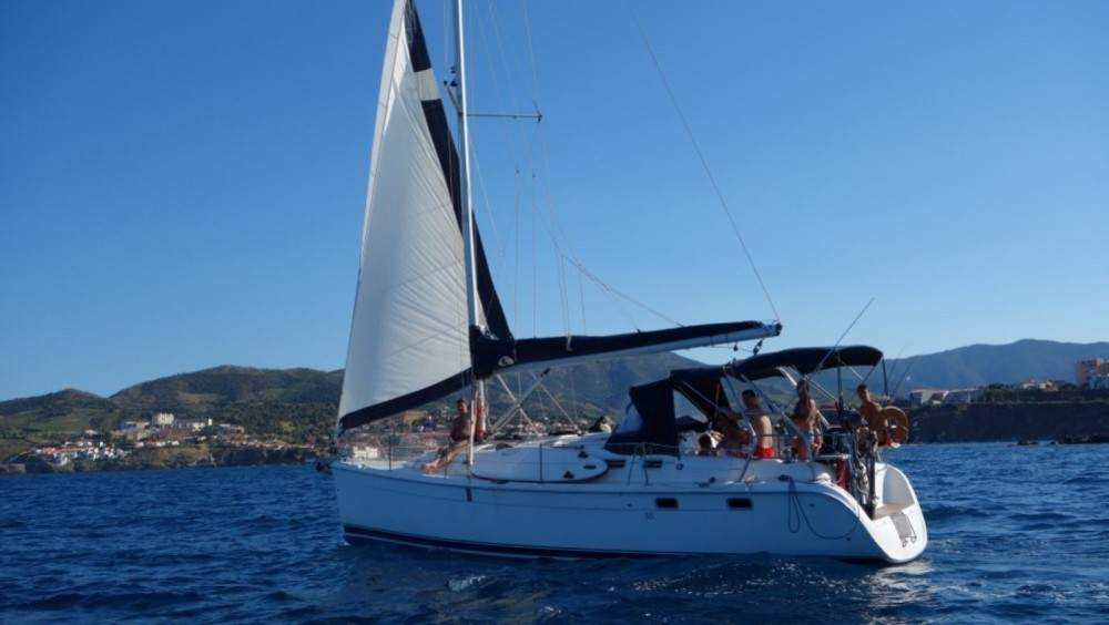 Hire Sailboat with or without skipper Hunter Marseille