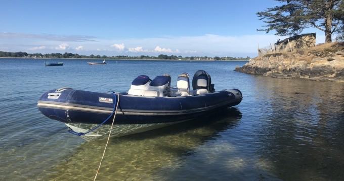 Avon Adventure 6,20 between personal and professional La Trinité-sur-Mer