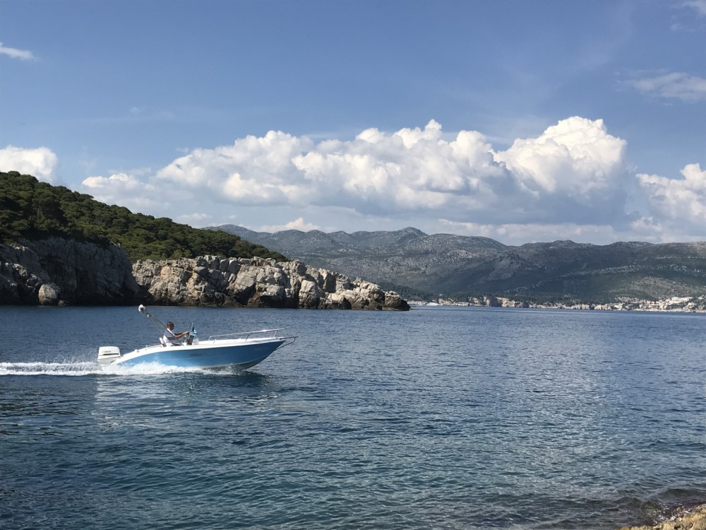 Hire Motor boat with or without skipper Elan Dubrovnik