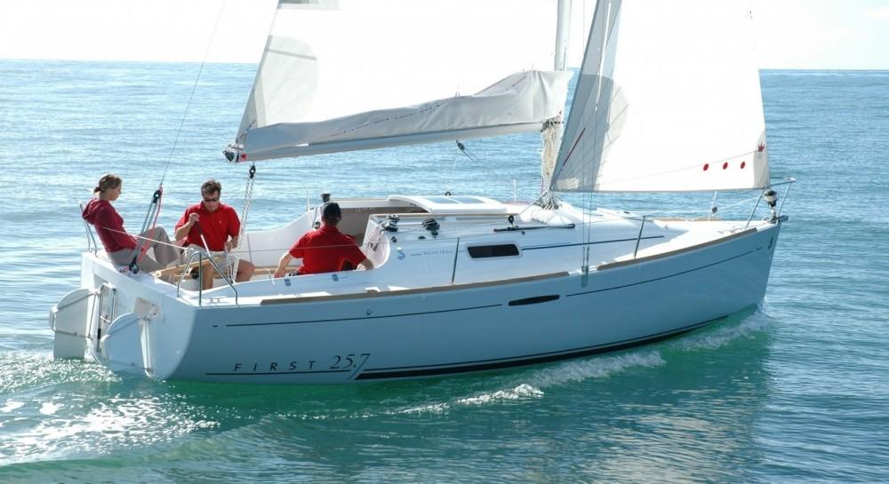 Rental yacht Quiberon - Bénéteau First 25.7 on SamBoat