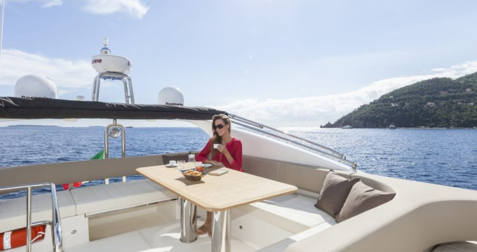 Boat rental Absolute Yachts Absolute 52 Fly in Palma de Mallorca on Samboat