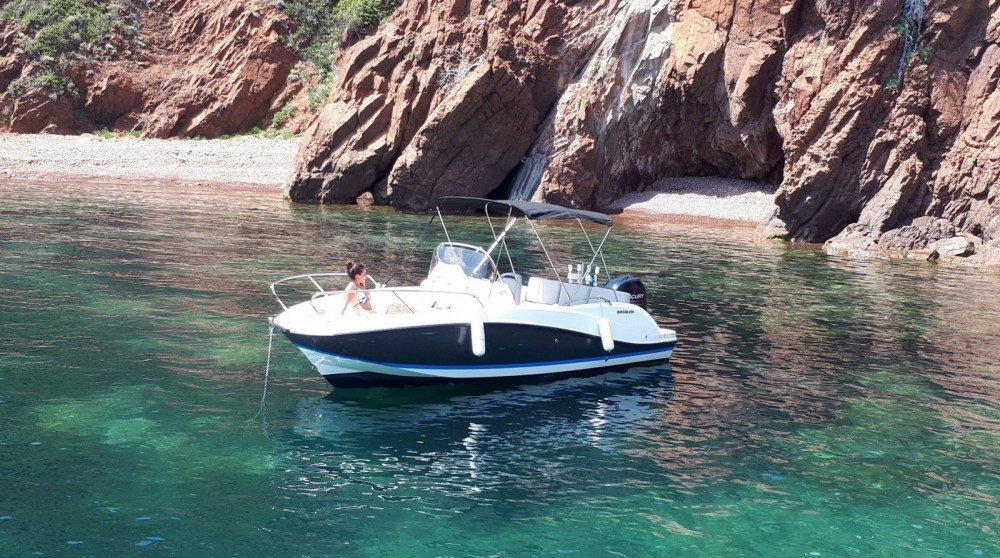 Motor boat for rent Mandelieu-la-Napoule at the best price
