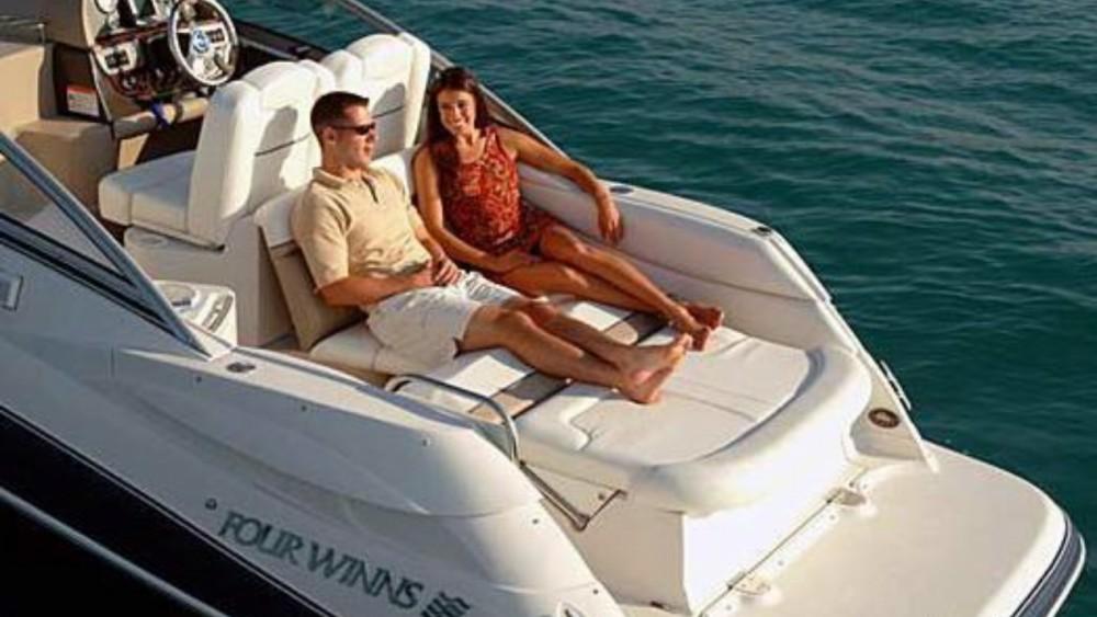 Boat rental Four Winns Vista 258 in Zadar on Samboat