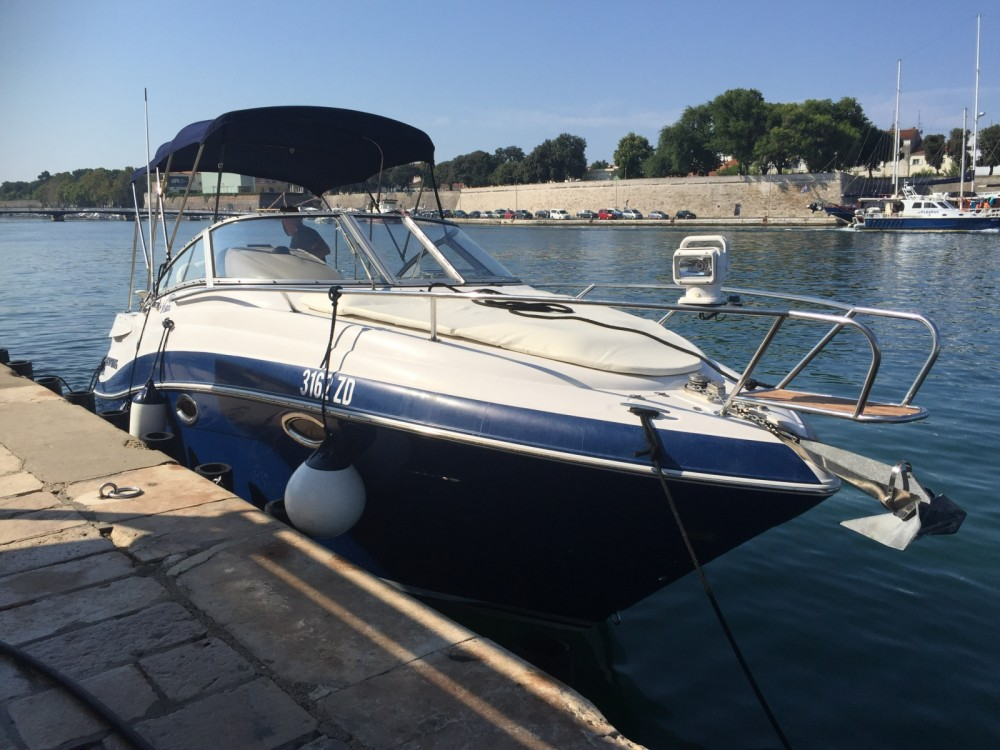 Hire Motorboat with or without skipper Four Winns Grad Zadar