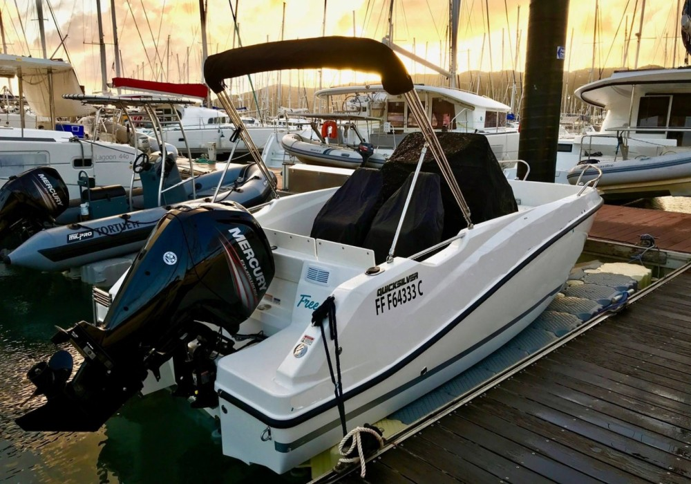 Quicksilver Activ 555 Open between personal and professional Marina du Marin