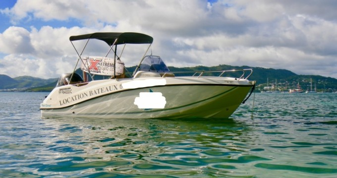 Motorboat for rent Sainte-Anne at the best price